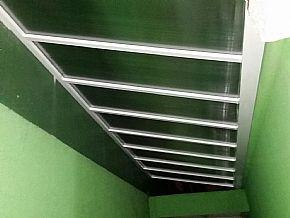 cobertura policarbonato escada vista interna