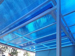 Foto cobertura azul policarbonato