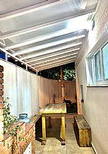 cobertura-compacta-policarbonato-corredor-varanda